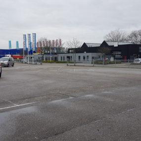 Bouwmaat Breda parkeerterrein